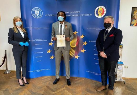 Patrick Richard a depus jurământul pentru a deveni cetățean român. Foto