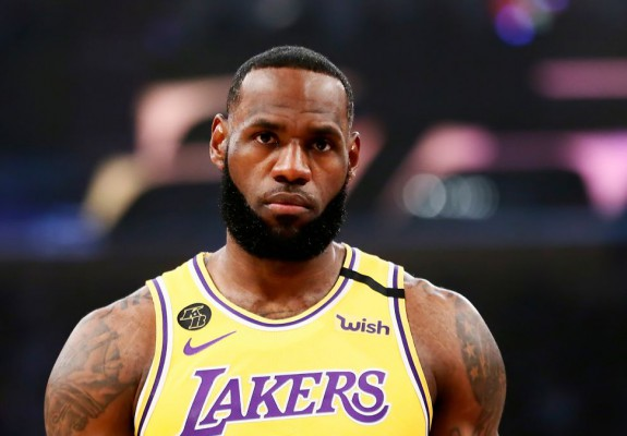 LeBron James va absenta pentru prima oară de la un meci în acest sezon