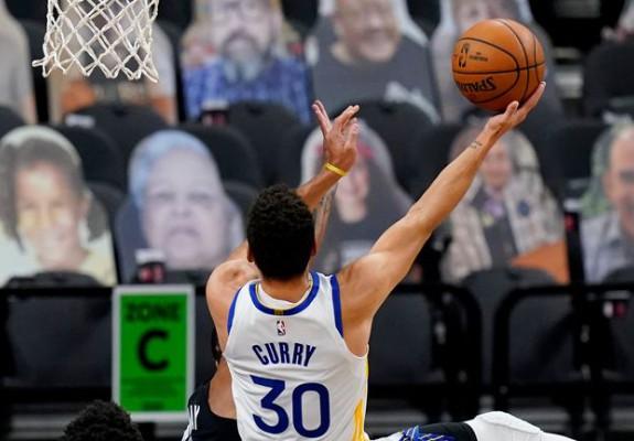 A fost sau nu out la execuţia magică a lui Steph Curry? Video