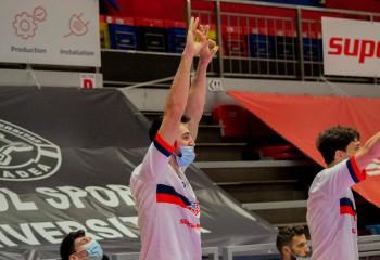 """Bobe Nicolescu: """" Sper să am o evoluție cât mai bună și să îmi ajut echipa să treacă peste acest 'blestem' din Cupa României"""""""