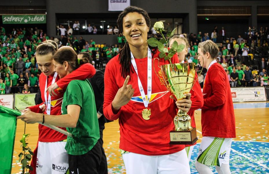 Kristina Higgins, la VBW CEKK Cegled în sezonul 2019-2020
