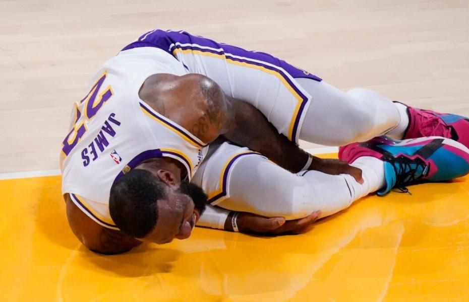 LeBron James s-a accidentat în ultimul meci al lui Los Angeles Lakers