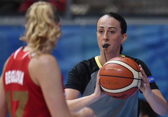Andrada Csender, printre arbitrii care vor oficia la Final Four-ul din Euroliga Feminină