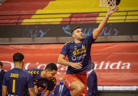 Emanuel Cățe și-a impresionat coechipierii cu calitățile de goalkeeper
